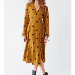 NWT urban outfitters long sleeve wrap midi dress